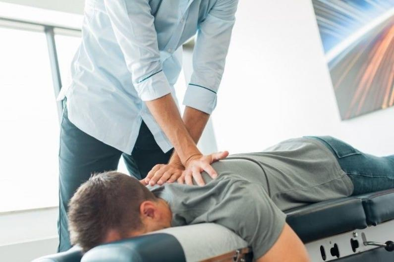 Pain a Chiropractor
